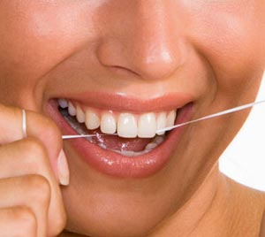 ضرورت استفاده از نخ دندان